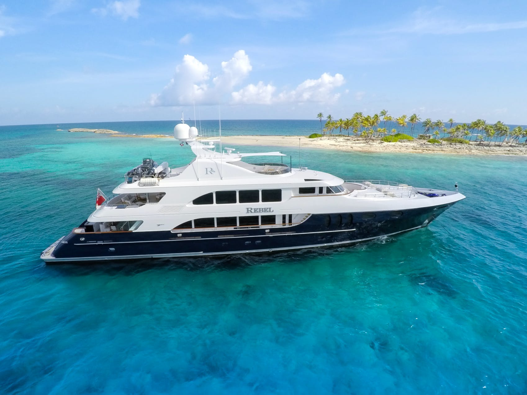 Motor yacht Rebel
