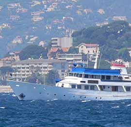 Motor yacht Land