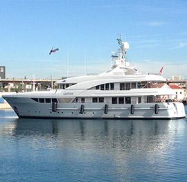 Motor yacht Latitude