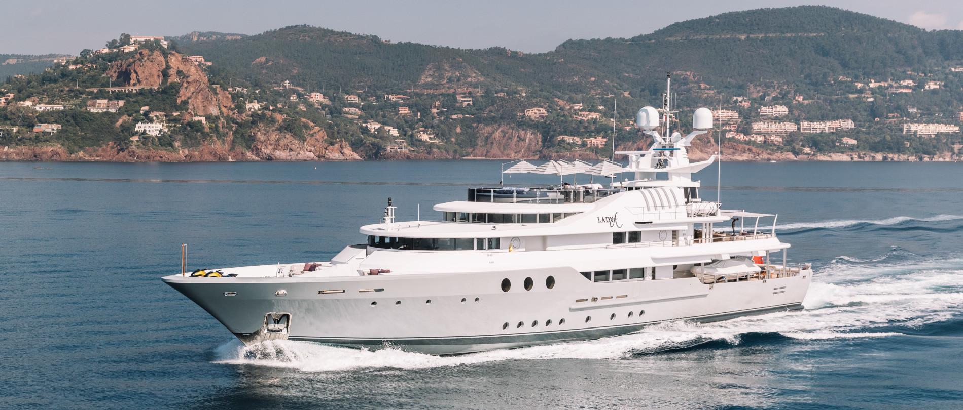 Motor yacht Southern Cross 3