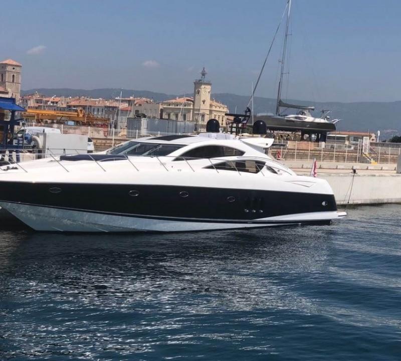 Motor yacht Elle One