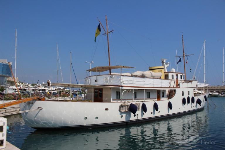 Motor yacht Deianera
