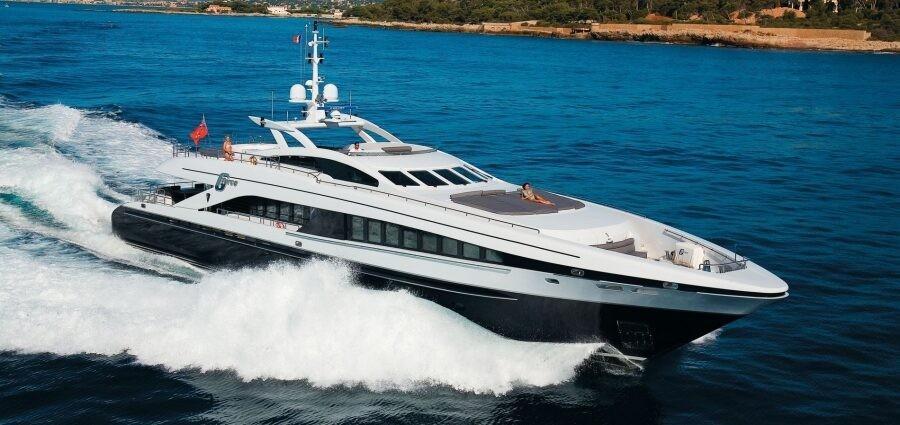 Motor yacht Heesen 3700