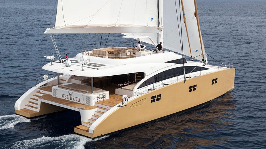 Sailing yacht Houbara